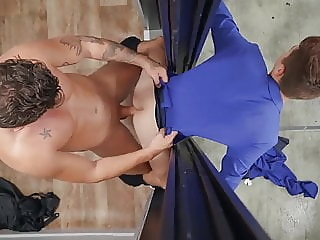 Hot Sex at the Elevator bareback (gay) big cock (gay) blowjob (gay)