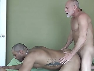 Grandpa fucks his muscle toyboy bareback (gay) big cock (gay) blowjob (gay)