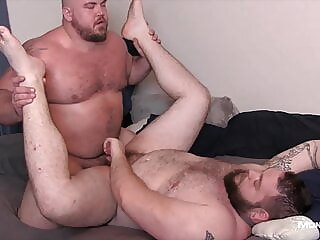 Hot Chub Bear Fucked Good 18:40 2021-01-09