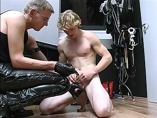 A Slave to Beauty gay bdsm gay fetish gay masturbation
