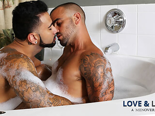 Rikk York & Damien Crosse in Love & Lather Video 6:00 2016-01-21