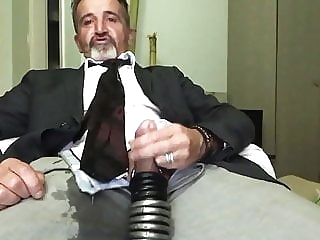 suite and tie amateur (gay) bear (gay) big cock (gay)