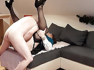Horny mom is fucked by inexpierenced Son 4:21 2020-12-20